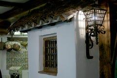 Lantlig spansk fasad Arkivfoto