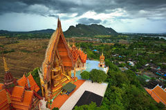 lantlig staty thailand för buddha liggande Royaltyfri Fotografi