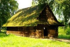 Lantlig stuga i Polen Arkivfoton