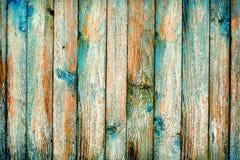 Lantlig trästaketpurification av blått målar Royaltyfria Foton