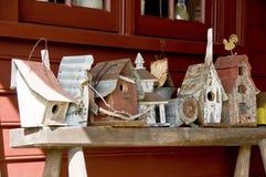lantliga birdhouses royaltyfria foton