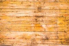 Lantliga gula Wood plankor som bakgrund Royaltyfria Bilder