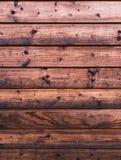 Lantliga wood plankor på en kabinbakgrund Royaltyfri Fotografi