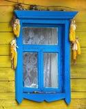 lantligt fönster för hus fotografering för bildbyråer