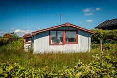 Lantligt feriehem i Sjelborg nära Esbjerg, Danmark arkivfoton