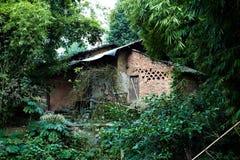 Lantligt hus Fotografering för Bildbyråer