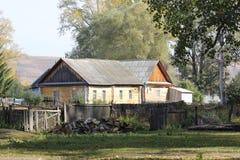 lantligt hus Arkivbilder