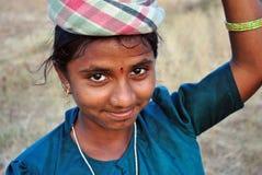 lantligt indiskt arbete för flicka royaltyfria foton