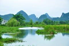 Lantligt landskap i Guilin, Kina Royaltyfri Fotografi