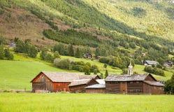 Lantligt ställe i Norge Arkivfoto