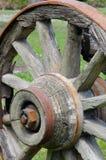 lantligt vagnhjul arkivbild