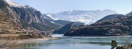 Lanuza-Reservoir in Huesca lizenzfreies stockbild