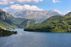 Lanuza rezerwuar w Valle De Tena, Hiszpania fotografia royalty free
