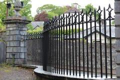 lany ogrodzenia żelaza wzór bezszwowy Obrazy Stock