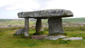 Lanyon Quoit Neolithic Chambered Tomb. Lanyon Quoit. A Chambered Tomb in Cornwall South West England from Neolithic times 2500BC Stock Photo