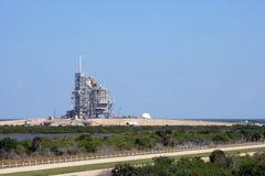 Lanzadera de espacio en la plataforma del lanzamiento Imagen de archivo