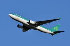 Lanzamiento de Aer Lingus Airbus A330 fotografía de archivo libre de regalías