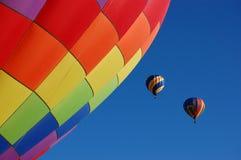 Lanzamiento de dos globos del aire caliente Fotos de archivo