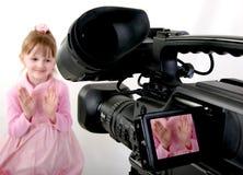 lanzamiento de la DV-videocámara una muchacha Foto de archivo