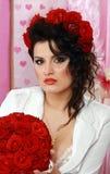 Lanzamiento de la manera del brunette atractivo Foto de archivo