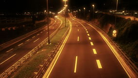 Lanzamiento de la noche de la carretera en time lapse almacen de metraje de vídeo