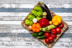 Lanzamiento de las verduras Foto de archivo libre de regalías