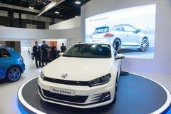 Lanzamiento de nuevo Volkswagen Scirocco en el Singapur Motorshow 2015 imágenes de archivo libres de regalías