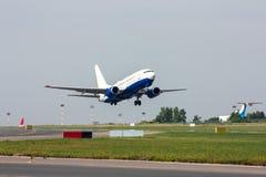 Lanzamiento del avión de pasajeros Foto de archivo libre de regalías