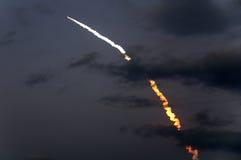 Lanzamiento del misión en la que participa un trasbordador STS-119 del descubrimiento Fotografía de archivo