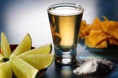 Lanzamiento del Tequila Imagen de archivo libre de regalías