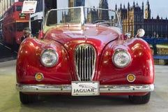 Lanzamiento retro de Jaguar XK120 1951 del coche Fotografía de archivo libre de regalías