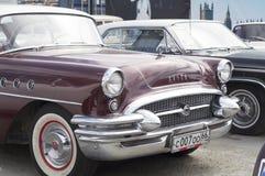 Lanzamiento retro del siglo 1955 de Buick del coche Foto de archivo