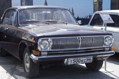 Lanzamiento retro soviético 1975 del coche GAZ 24 Imagen de archivo