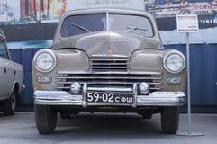Lanzamiento retro soviético del coche GAZ M20 Pobeda 1956 Foto de archivo libre de regalías