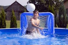 Lanzar una bola Foto de archivo