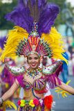 LANZAROTE, ΙΣΠΑΝΙΑ - 12 FEB: Γυναίκα στα κοστούμια καρναβαλιού σε GR Στοκ Φωτογραφίες
