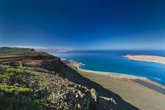Lanzarote Cliff Coastline View, Spanien Lizenzfreies Stockfoto