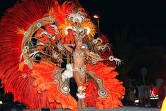 LANZAROTE, ESPAÑA - 2 de marzo: La reina del carnaval en trajes en el th fotografía de archivo libre de regalías