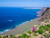 Lanzarote- - Famara-Klippen Lizenzfreie Stockfotografie