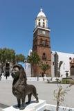 LANZAROTE, kanarek ISLANDS/SPAIN - SIERPIEŃ 9: Uśmiechnięta lew statua Zdjęcie Royalty Free