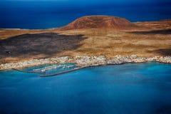 Lanzarote, Mirador del Rio Vista da ilha de Graciosa do La fotos de stock