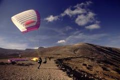 lanzarote paraglider Arkivfoton