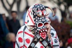 LANZAROTE SPANIEN - Februari, 12: Kvinna i karnevaldräkter på Gren Royaltyfri Bild
