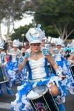 LANZAROTE SPANIEN - Februari, 12: Kvinna i karnevaldräkter på Gren Arkivbilder