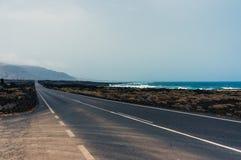 Lanzarote väg Royaltyfria Bilder