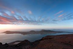 Lanzarote, vista de Isla Graciosa no por do sol Fotografia de Stock