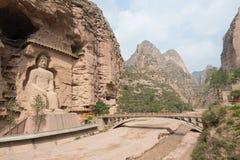 LANZHOU, CHINA - 30 DE SETEMBRO DE 2014: Estátuas da Buda na caverna Te de Bingling imagens de stock royalty free