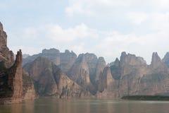 LANZHOU, CHINA - 30. SEPTEMBER 2014: Liujiaxia am Binglings-Höhlen-Tempel ( Stockfotos