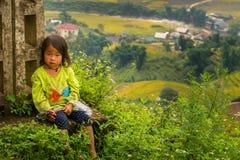 LAOCAI,越南, 9月15日:H'mong 9月的少数族裔孩子 免版税图库摄影