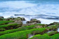 Laomei在石门区,新的台北,台湾绿化礁石-台湾北海岸季节性特点,射击 免版税库存照片